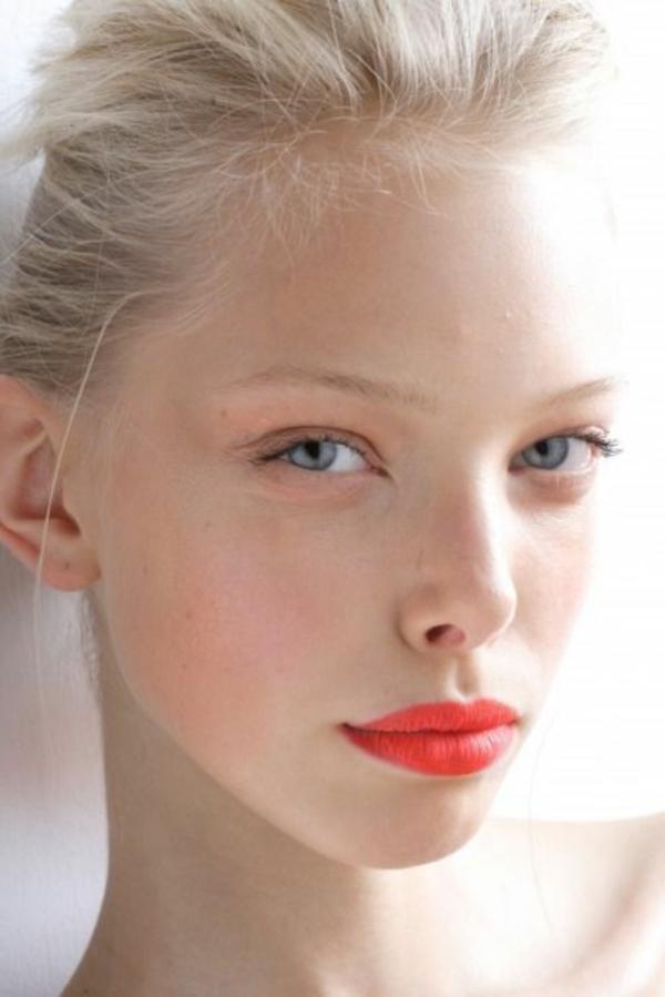 le plus beau maquillage des yeux bleus en 60 photos. Black Bedroom Furniture Sets. Home Design Ideas