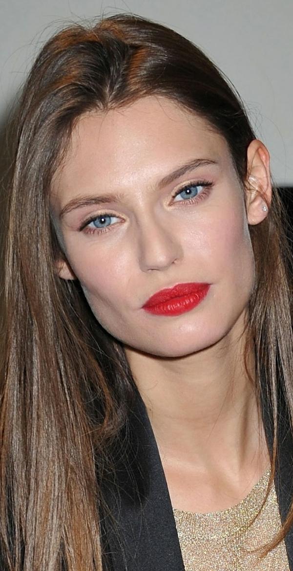 maquillage-stars-comment-faire-yeux-bleus