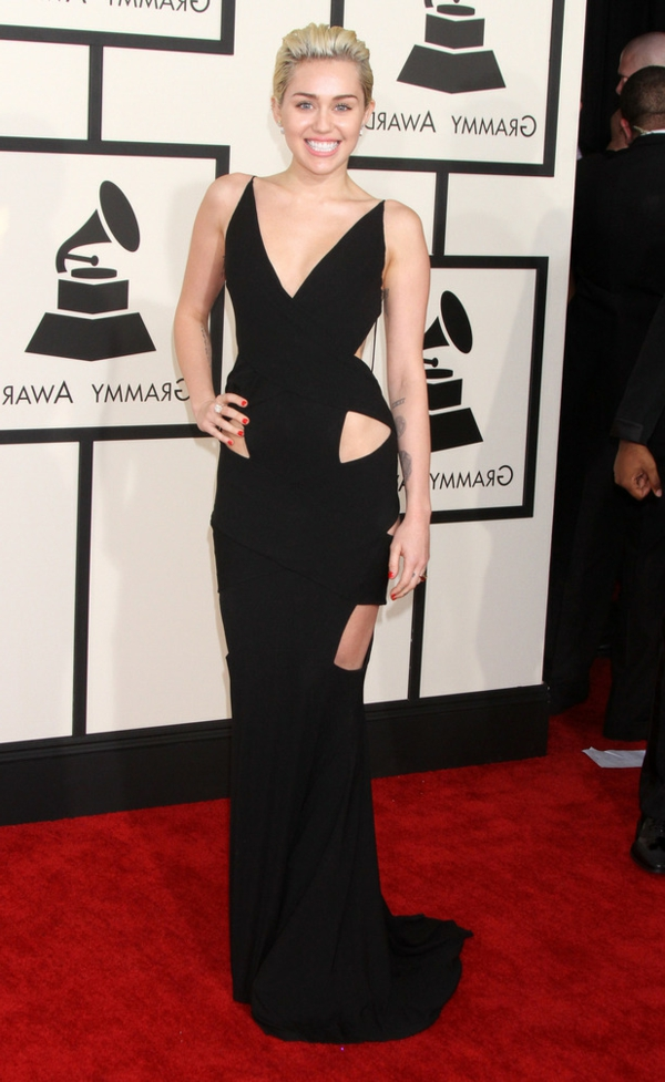 miley-cyrus-grammy-awards-robe-de-soiree-robe-cocktail
