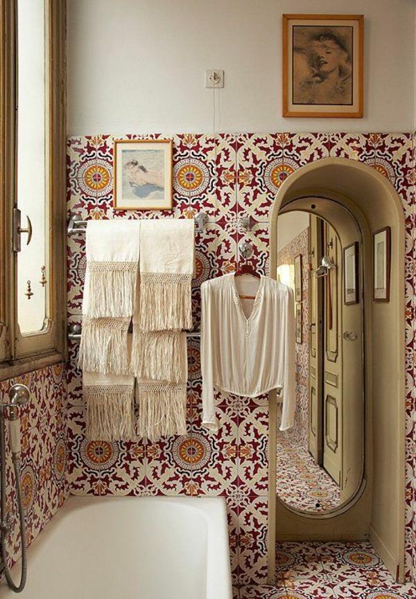 papier-peint-design-salle-de-bain