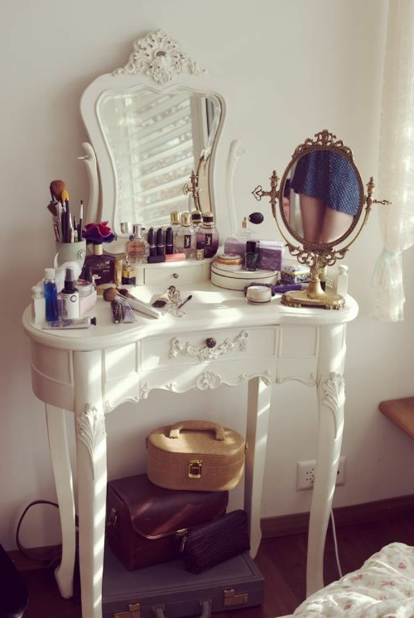 petite-coiffeuse-blanche