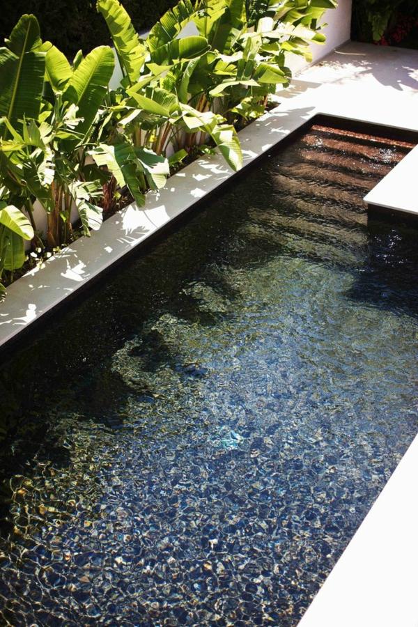 petite-piscine-hors-sol-la-force-décorative-de-l'eau