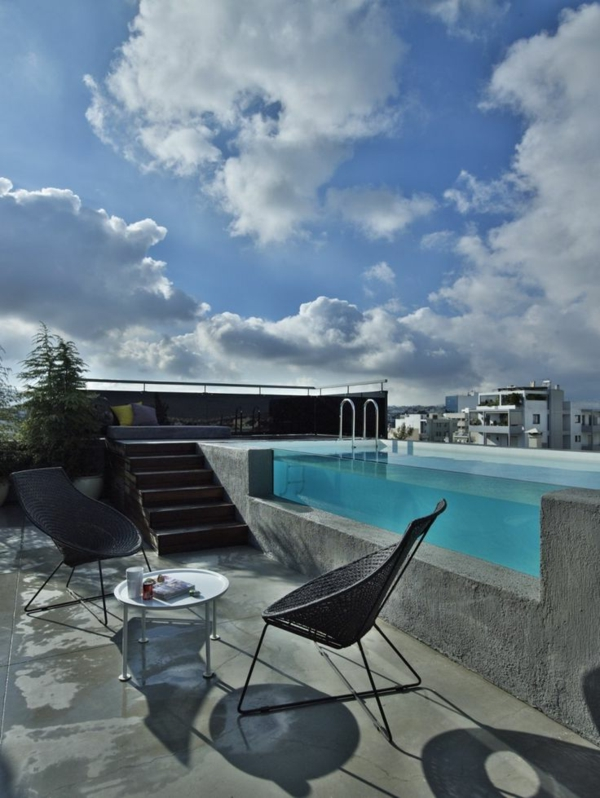 petite-piscine-hors-sol-petite-piscine-jolie-sur-le-toit-terrasse