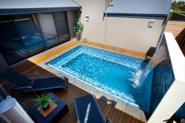 petite-piscine-hors-sol-un-extérieur-moderne