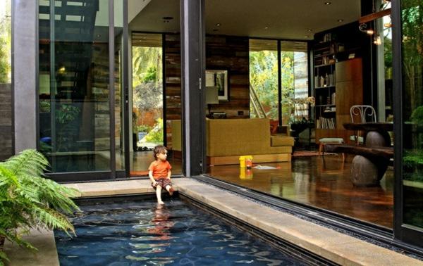 petite-piscine-hors-sol-un-plan-de-maison-contemporaine