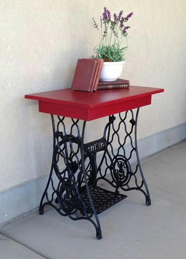 petite-table-rouge-fer-forgé