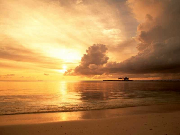 plage-soleil-couchant-photo-jolie-sable-mer
