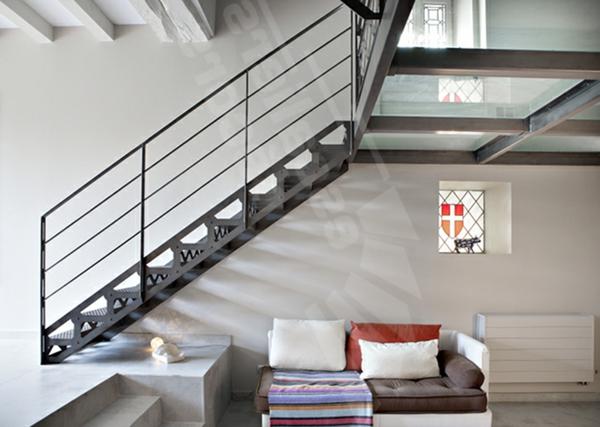 plancher-de-verre-escalier-en-acier