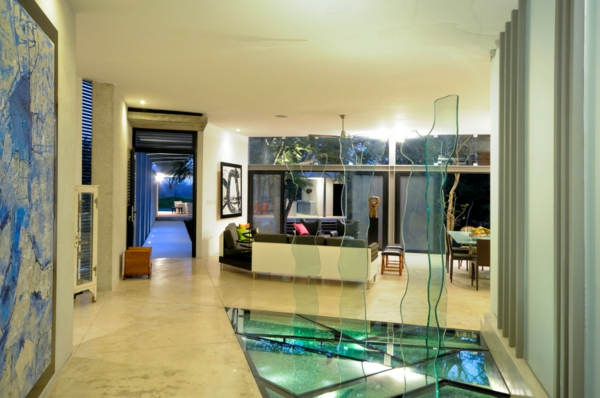 plancher-de-verre-et-sculpture-en-verre-office-moderne