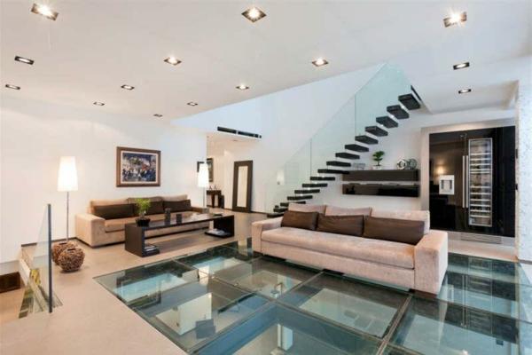 plancher-de-verre-intérieur-de-villa-contemporaine