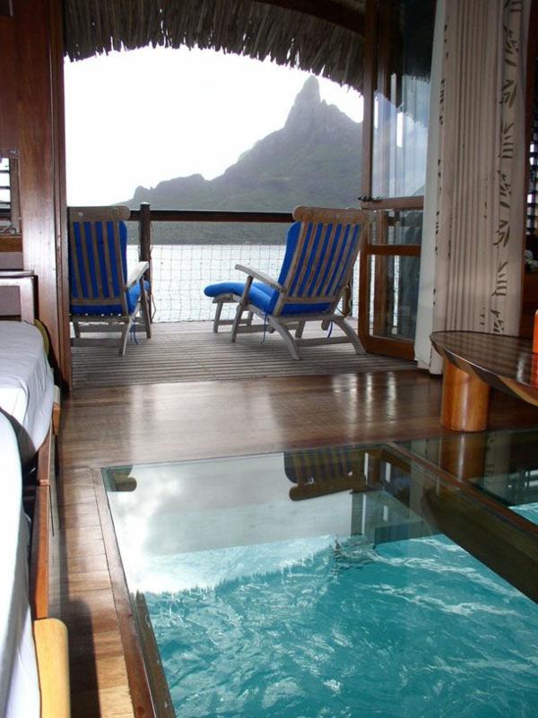 plancher-de-verre-sol-transparent-au-dessus-de-la-mer