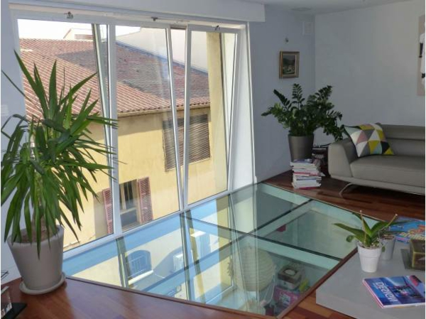 plancher-de-verre-un-duplex-loft
