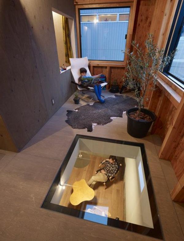 plancher-de-verre-une-partie-du-sol-transparente