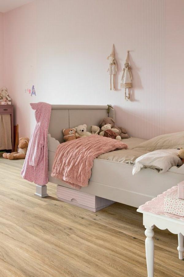 poser-du-lino-imitation-parquet-chambre-enfant