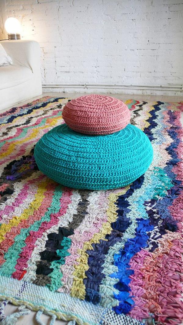 pouf-au-crochet-intérieurs-cosy-colorés