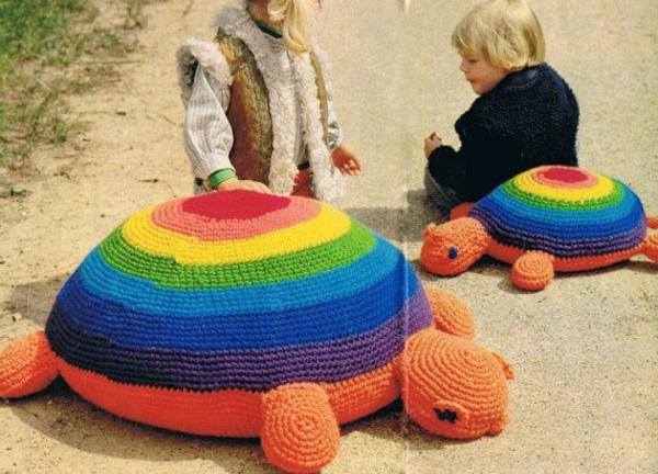 pouf-au-crochet-poufs-crochetés-originaux
