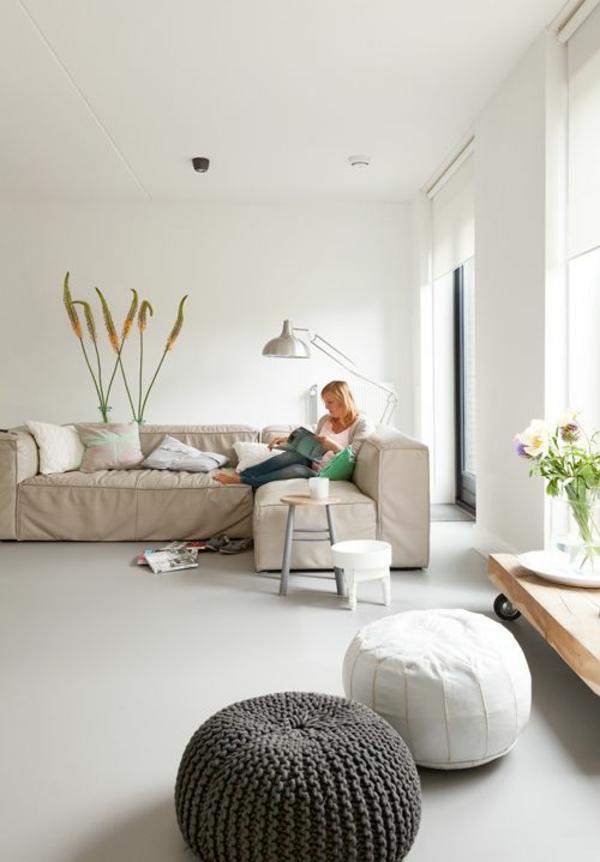 revêtement-de-sol-poser-du-lino-salon-beige-canapé