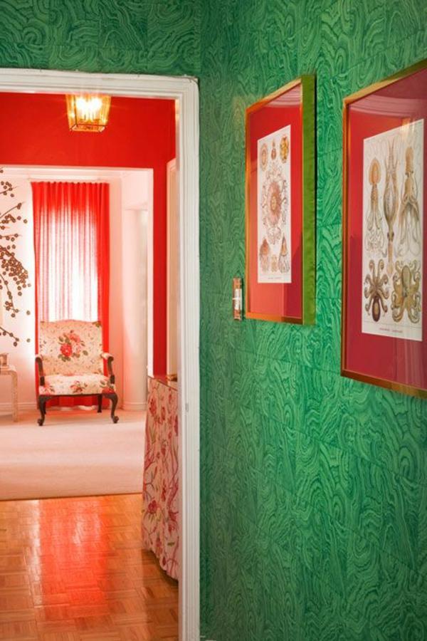 rideaux-rouges-salon-couloir-mur-vert
