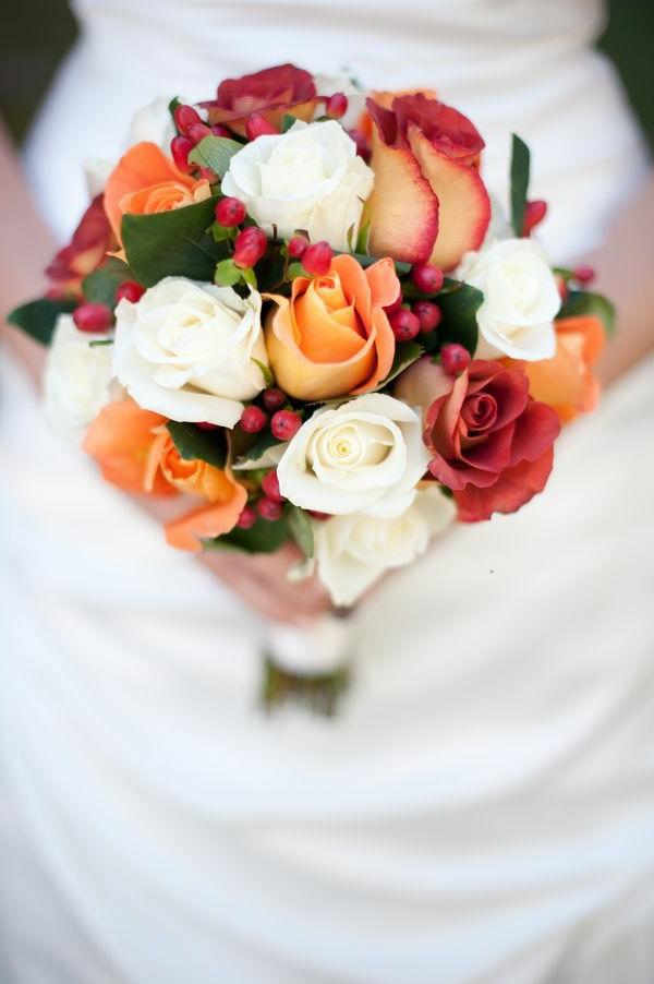 robe-de-mariée-fleurs-accessoires-classique