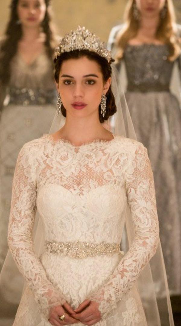 robe de mariée princesse-couronne-film-resized
