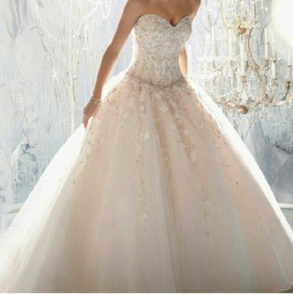 La robe patineuse - une élégance pour tous les cas