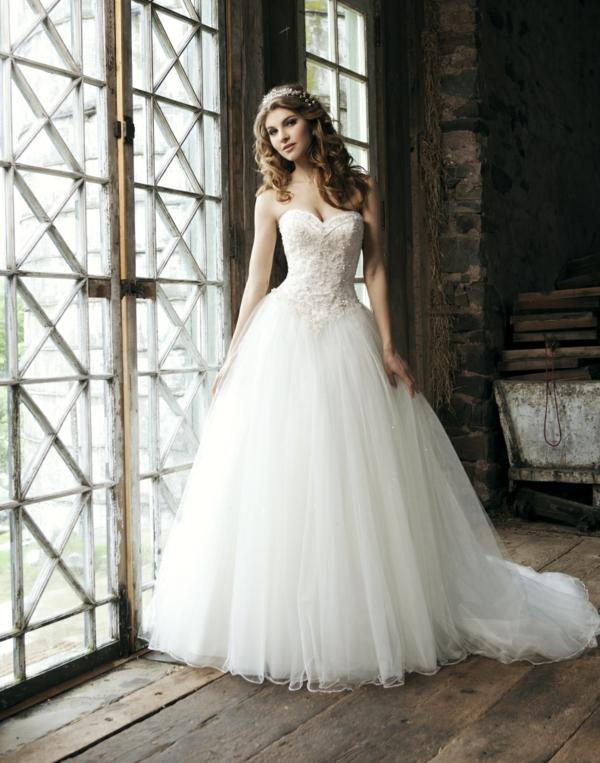 robe-de-princesse-adulte-jolie-robe-de-mariée-resized