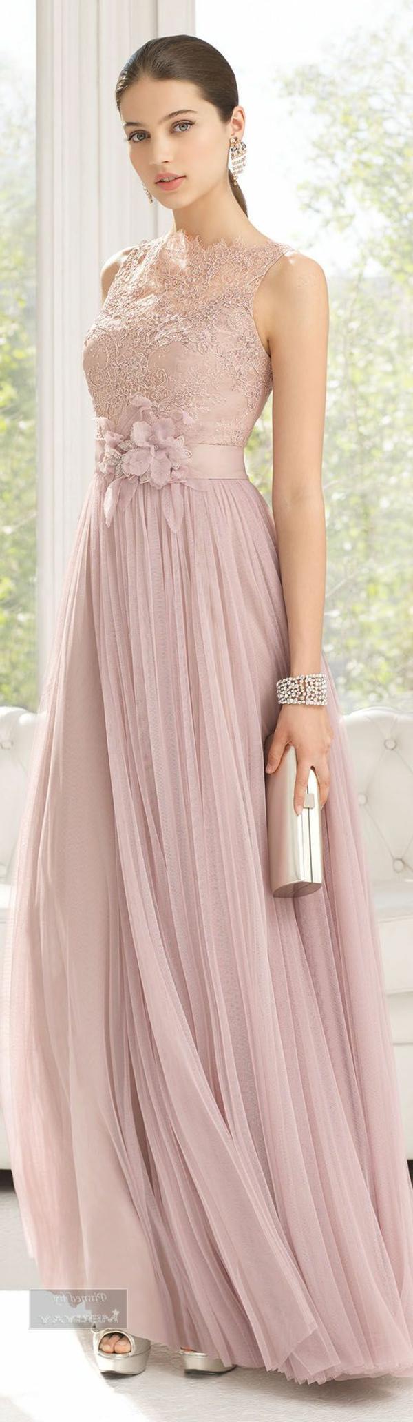robe-de-soirée-pas-cher-dentelle
