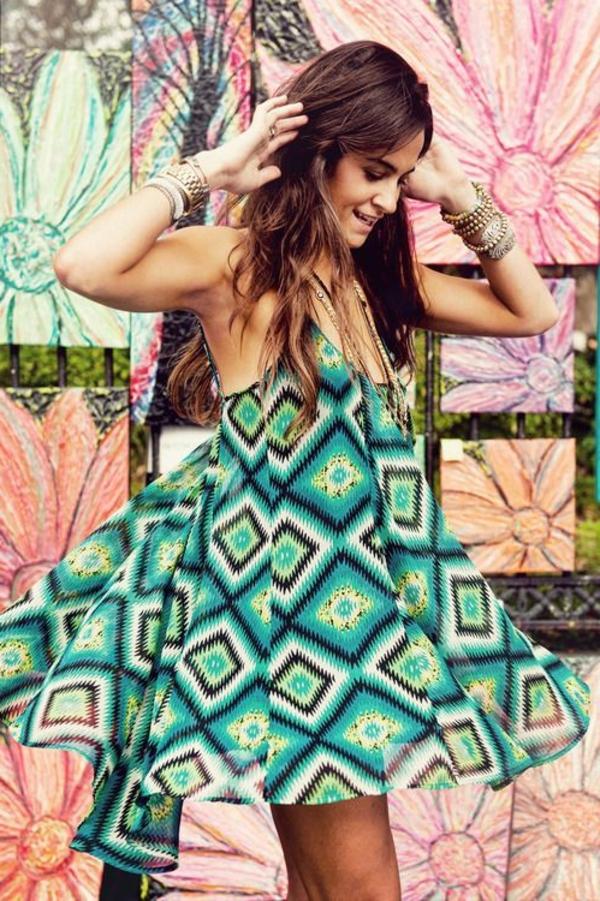robe-hippie-chic-avec-bretelles-et-motfs-géometriques