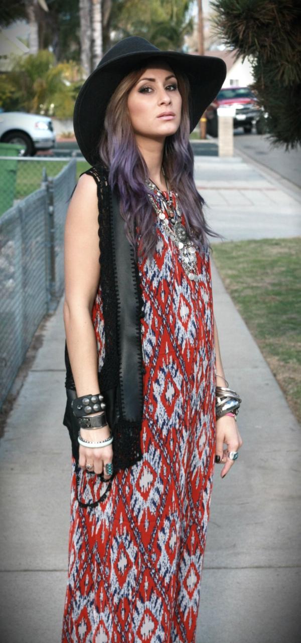robe-hippie-chic-comnbinée-avec-chapeau-et-gilet-noir
