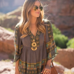 Comment portet la robe hippie chic