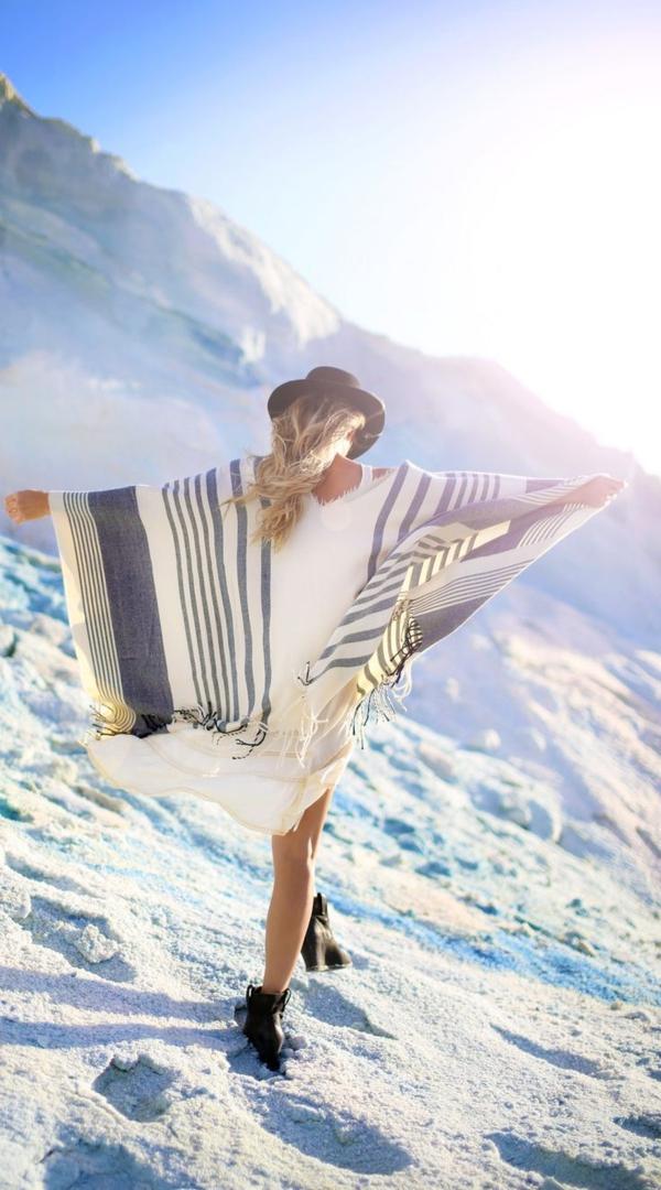 robe-hippie-chic-et-un-poncho
