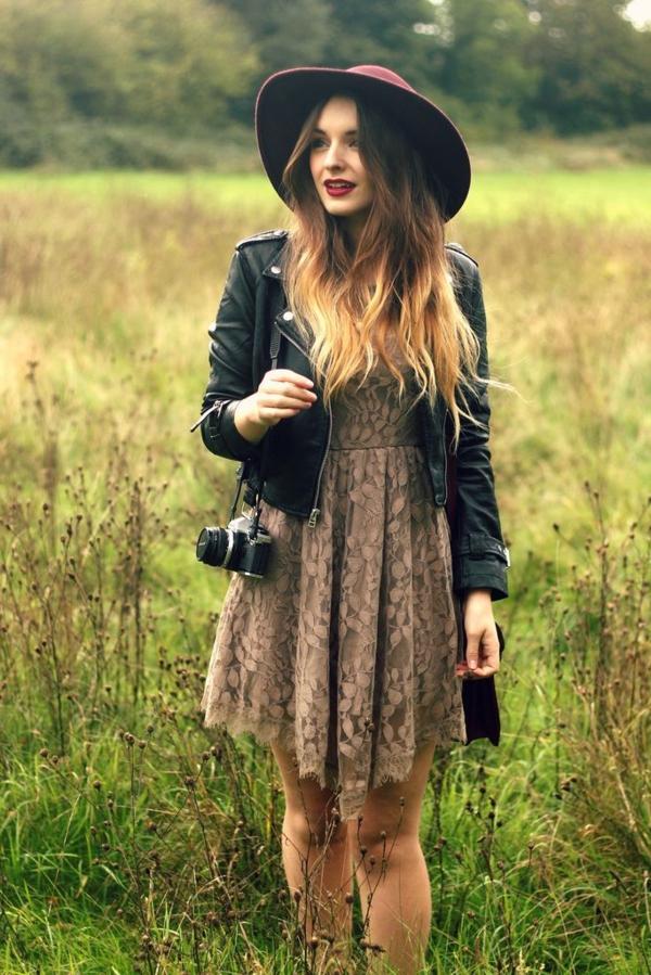 robe-hippie-chic-marronne-modèle-doux-et-féminin