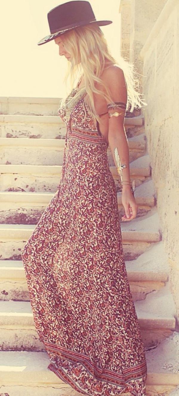 robe-hippie-chic-motifs-floraux-magnifiques