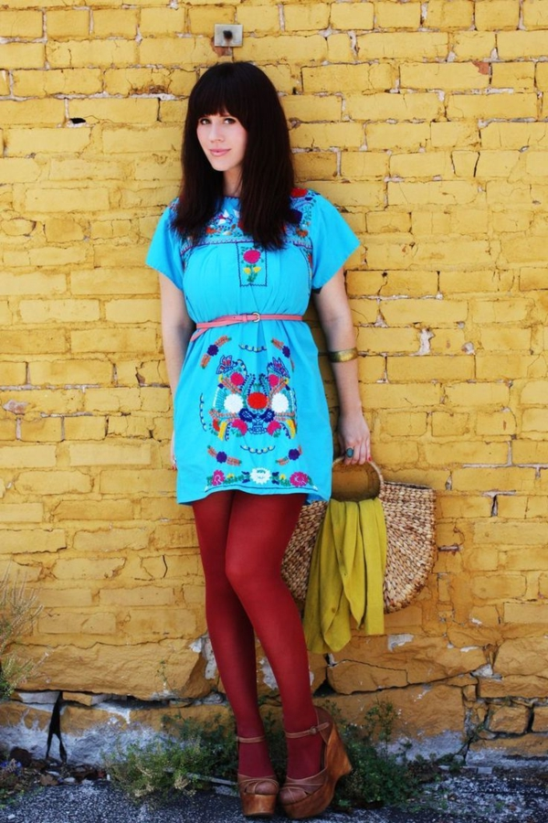robe-hippie-chic-robe-tunique-bleue-et-collant-rouge