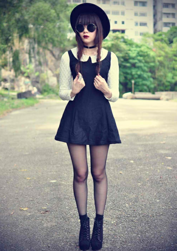 robe-noire-chemise-blanche