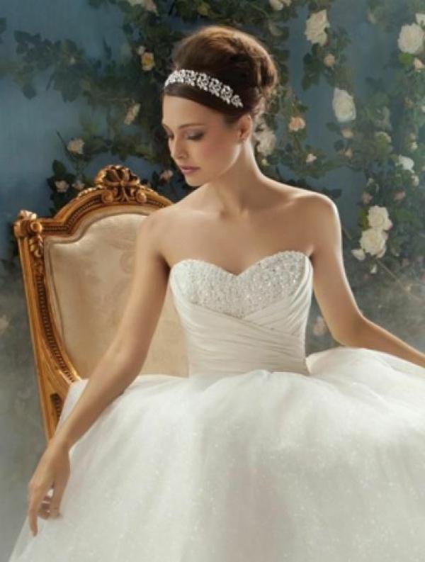 robes-pour-une-mariage-de-princesse-chateau-resized