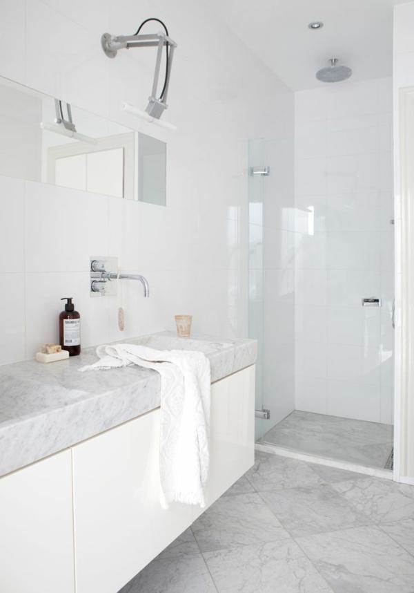 Une salle de bains grise l gance et chic contemporain - Salle de bain blanche et marron ...