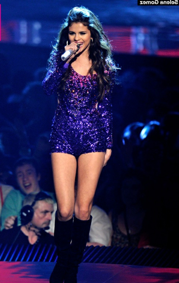 selena-gomez-going-on-tour-2015-robes-de-soirée-robe-de-ceremonie