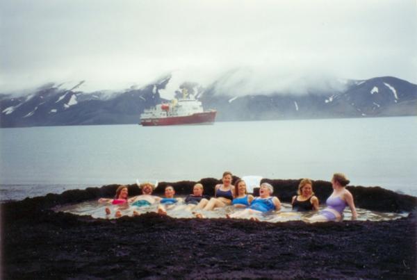 source-de-eau-chaude-Deception-Island-Antarctic-Peninsula-resized