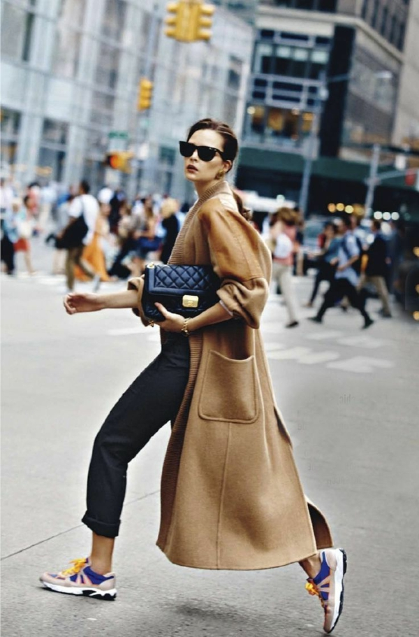 street-style-femme-sac-main-mode