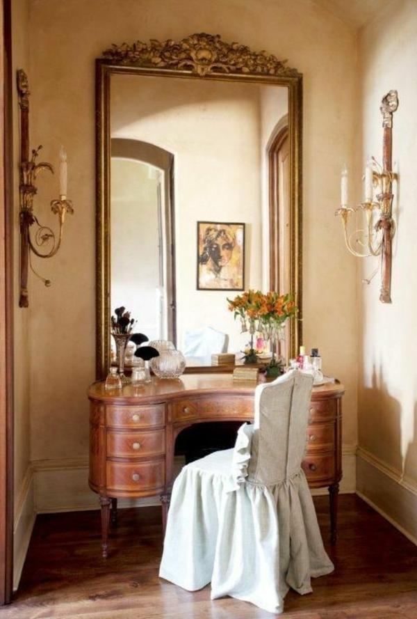 table-de-maquillage-avec-miroir