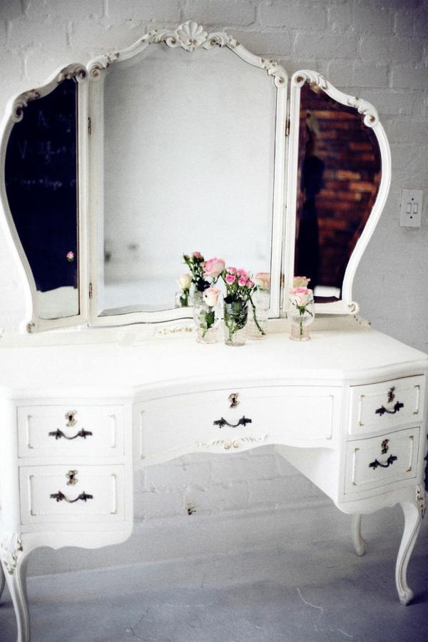 table-de-maquillage-blanche-miroir-grand