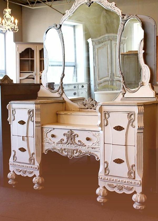 table-de-maquillage-blanche-vintage