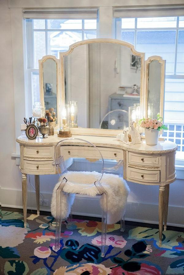 table-de-maquillage-vintage-chaise-en-verre