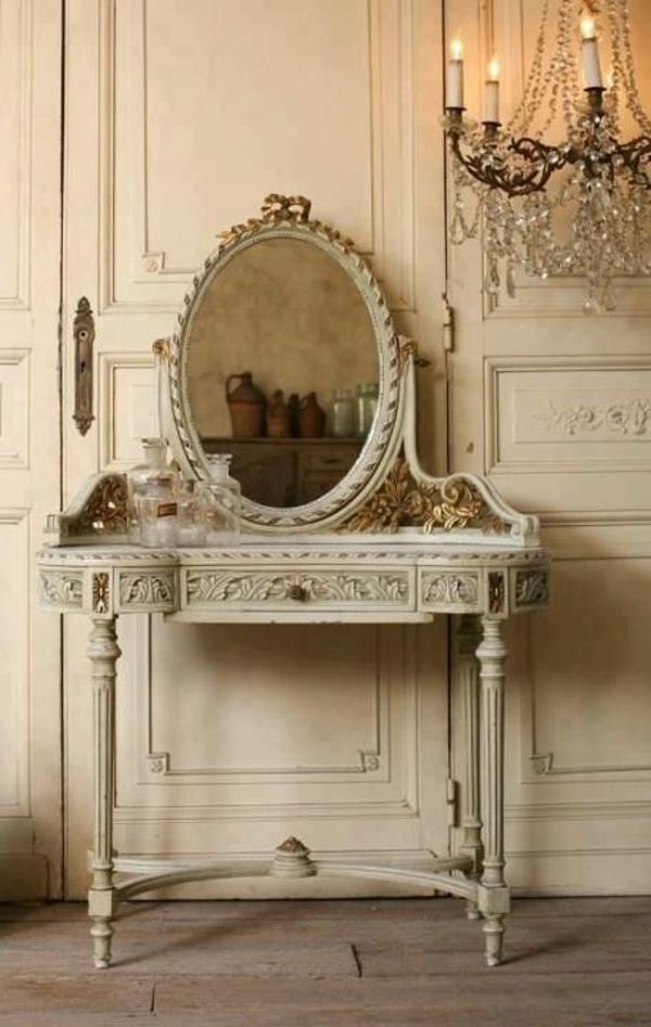 table-de-maquillage-vintage