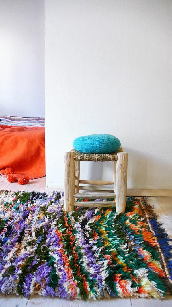 tapis-coloré-inspiration-chaise