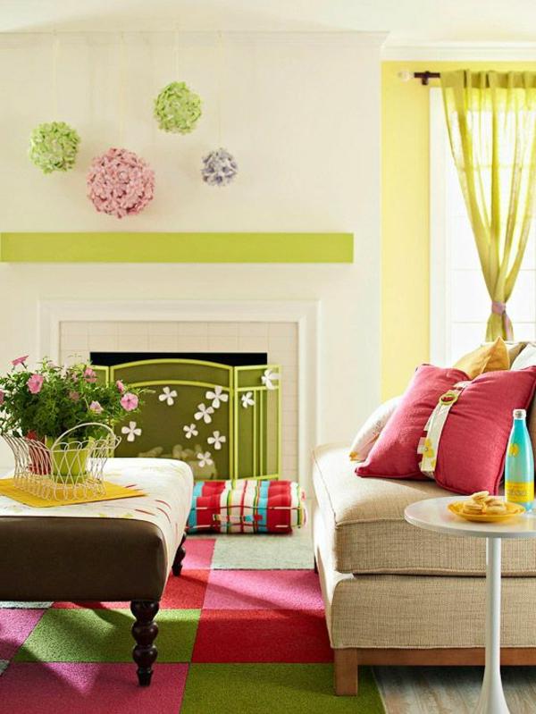 tapis-multicolore-dans-unepetite-chambre-vintage