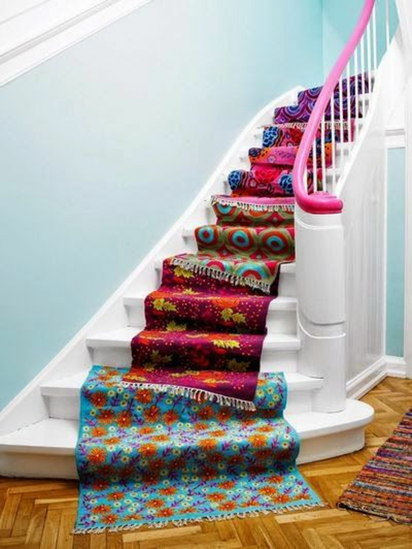 tapis-multicolore-tapis-d'escalier