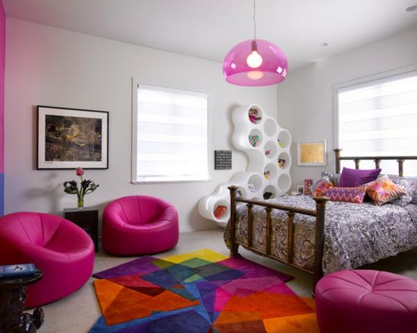 tapis-multicolore-tapis-joyeux-dans-une-chambre-à-coucher-sympathique