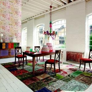 Le tapis multicolore - apportez des touches de joie dans l'intérieur!